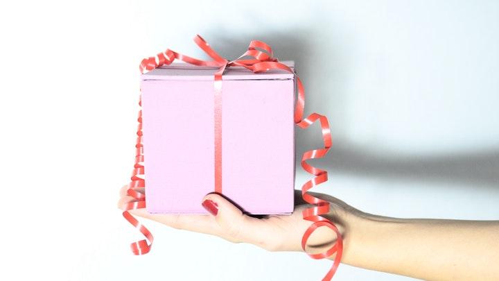 caja-blanca-de-regalo